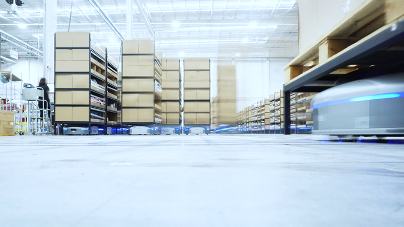 E-commerce in the USA: Fast-growing demand for warehouse robots
